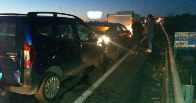 incidente-ss284-4-auto-tamponate